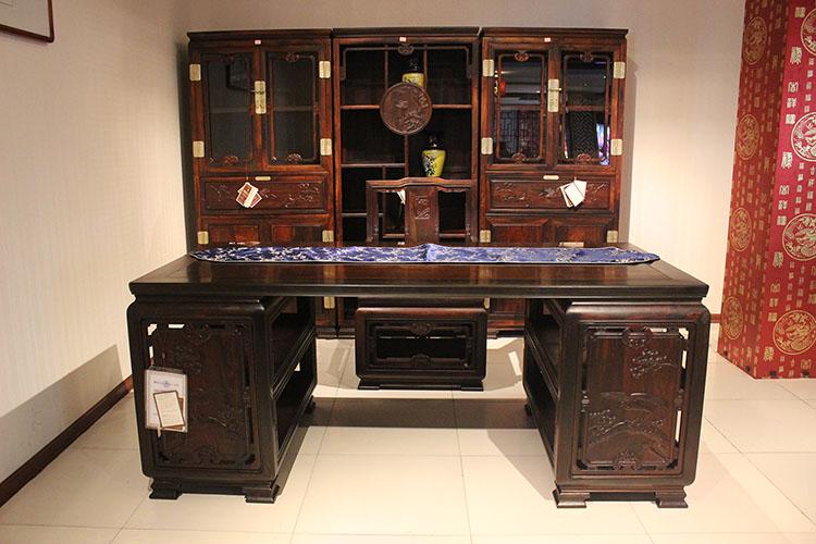 老挝大红酸枝(交趾黄檀)办公桌红木书柜