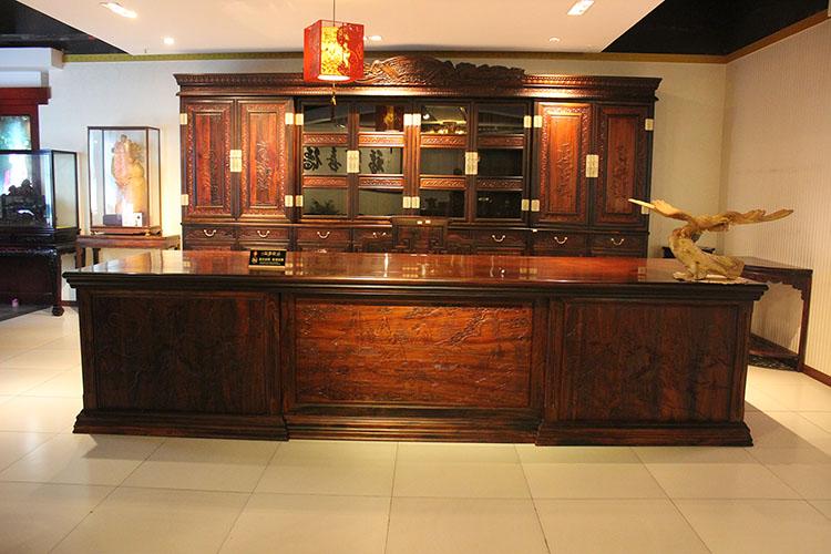 商业家具老挝大红酸枝(交趾黄檀)办公桌组合全国销售